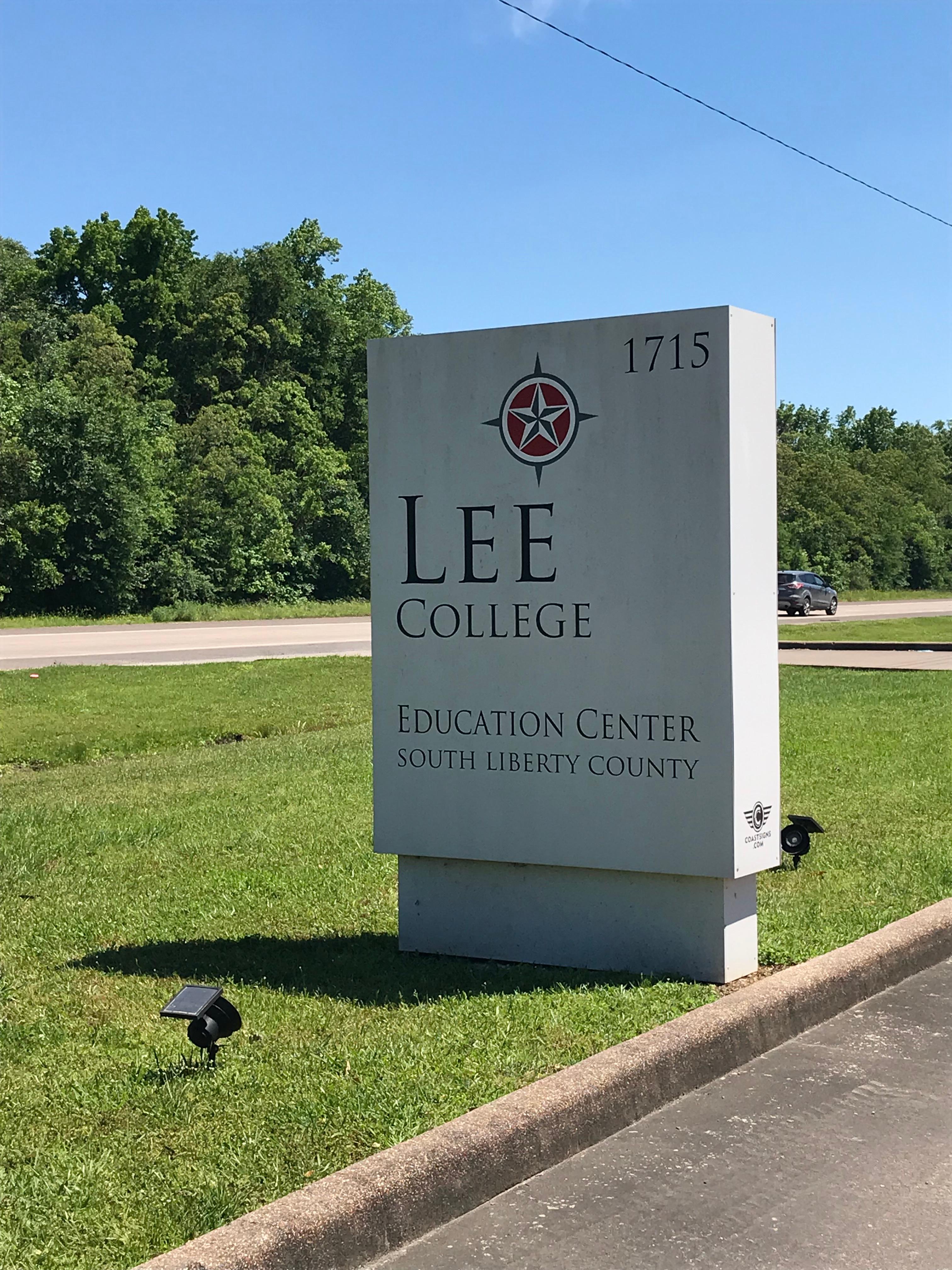 Lee College Sign